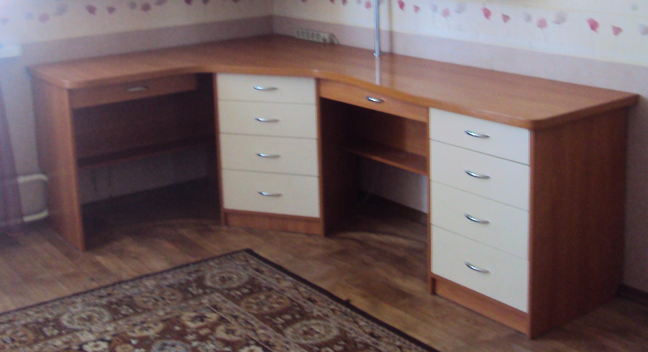 письменные столы для двух школьников фото