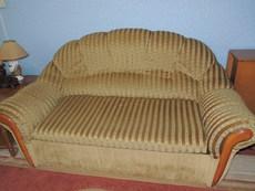 продам диван и 2 кресла б/у