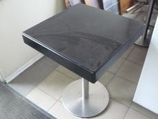 Продам столы модерн б/у в ресторан