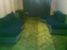 Продам  диван б/у угловой в хорошем состоянии. Срочно.