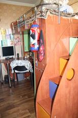 Б/у детская стенка кровать-чердак, стол, шкаф
