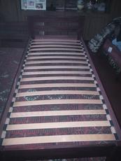 Кровать деревянная + матрас