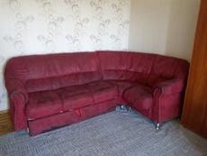 Продам угловой диван б/у.