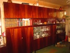 Продам срочно стенку 2000 грн