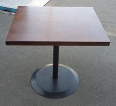 Продам б/у столы, столики для кофейни.