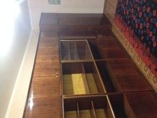 Продадим большую стенку (4м) + шкаф для одежды в подарок!