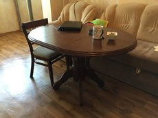 Продам стол 120х90 и 4 стула, 4500 грн.