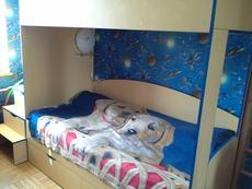 Продам недорого детскую двухярусную кровать